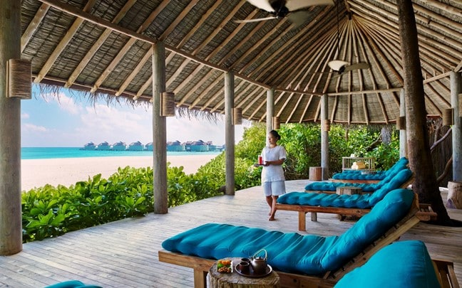 Laamu Maldives Six Senses Spa relaxation lounge