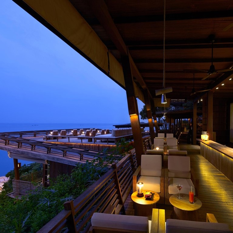 Samui-Thailand-Dining-on-the-Rocks-Bar.jpg