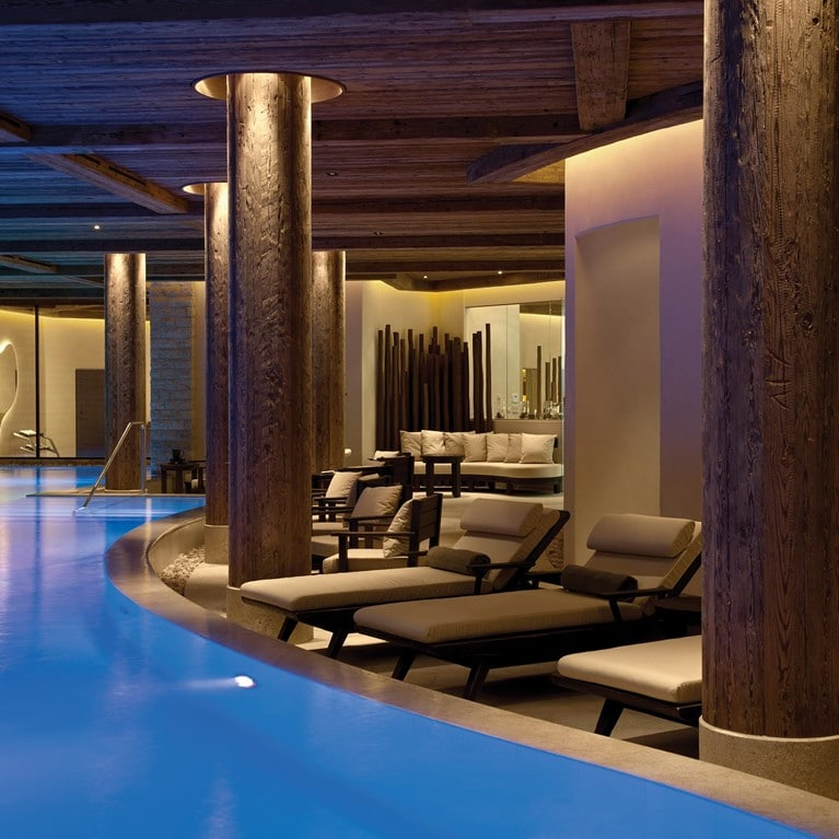 Gstaad-Switzerland-Indoor-Swimming-Pool2.jpg
