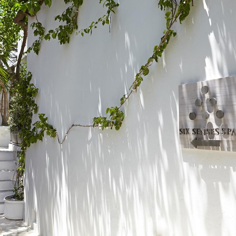 Mykonos-Greece-Walkway-exterior.jpg
