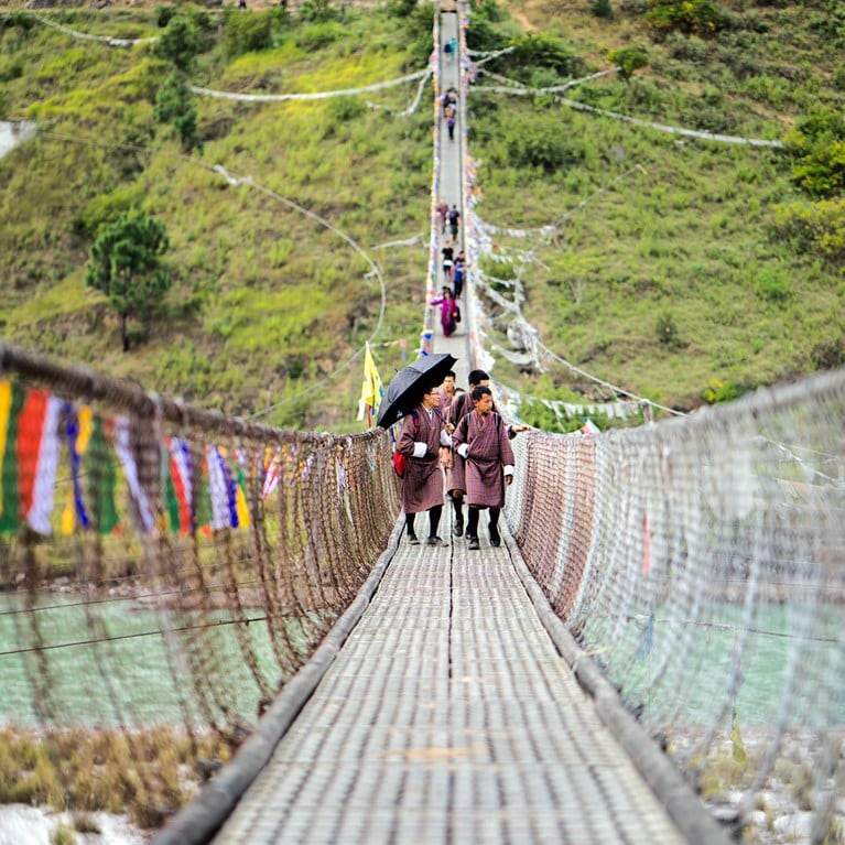 Bhutan-Suspension_bridge_in_Punakha_LR.jpg