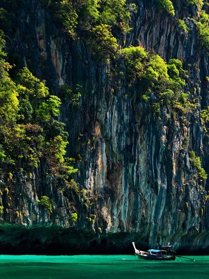 Discover the Phi Phi Islands
