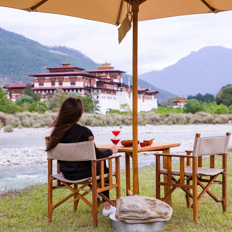 ​Riverside cocktails, panoramic dzong and river views