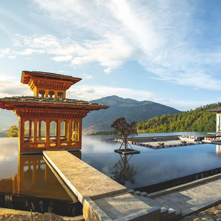 Thimphu-Bhutan_Praying_Pavilion_at_Reflecting_Pond.jpg